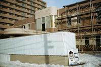 産院の解体工事と出生数100万人割れ - 照片画廊