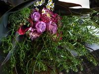 新体操の大会後に渡すお礼用の花束。北星学園女子中学高等学校にお届け。2017/12/23。 - 札幌 花屋 meLL flowers