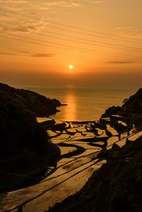 浜野浦棚田の夕陽 - Enjoy Life