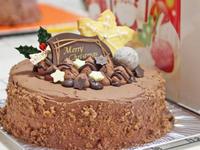 チョコレートケーキのクリスマスケーキ - 美味しい贈り物