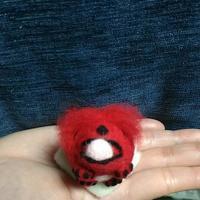 ペキニーズゴン太(赤バージョン) - 羊毛フェルト男(羊毛フェルトマン)