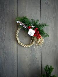 しめ飾り。玄関ドア用。お客様ご希望の素材をメインに使って。2017/12/27。 - 札幌 花屋 meLL flowers