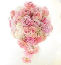 セミキャスケードブーケセピアピンクと甘いピンクM-カントリーボーイ - 一会 ウエディングの花