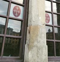 ピサの赤い旗、ピサの十字架 - Via Bella Italia ベッライタリア通りから