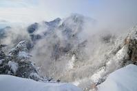 霧が湧く大普賢岳伯母谷覗 - 峰さんの山あるき
