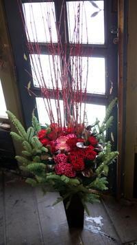 菊水元町6条に、リニューアルオープンの輸入中古車のお店にアレンジメント。2018/01/05。 - 札幌 花屋 meLL flowers