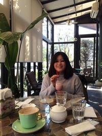 上の娘と散歩 - colorful sunny cafe roadster