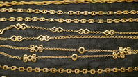 Long gold necklace - carboots