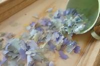 青い花びら - handmade flower maya