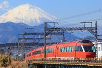 小田急ロマンスカーGSE 試運転 - 飛行機&鉄道写真館