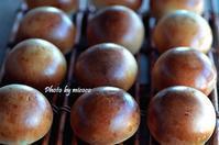 ホップ種あんぱん - 森の中でパンを楽しむ