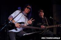 ロックはいいな!~その3~ - GuitarとVOLVOと虎太郎と…