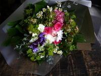 退職される女性へ花束。南郷通3にお届け。2018/01/09。 - 札幌 花屋 meLL flowers