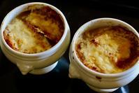昼食にオニオングラタンスープ - マドモアゼルジジの感光生活