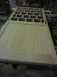引き違い戸の組み立て完成。 - 手作り家具工房の記録