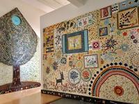 「モザイクの小屋」アトリエで展示 - マルモザイコ
