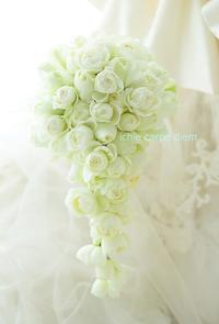 フルキャスケードブーケ バラだけで 帝国ホテル様へ 真珠貝 - 一会 ウエディングの花