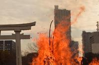 2018,1,15 広島護国神社とんど焼きその2 - 死すべきキモオタ~或いは怠惰な脂肪の塊~