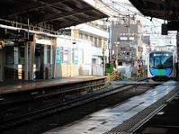 ある風景:S-TRAIN: Seibu Railway 40000 Series - MusicArena