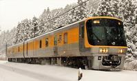 雪の日にやってきた - 今日も丹後鉄道