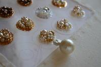 ビーズ刺繍のイヤリング - Atelier Le Coeur