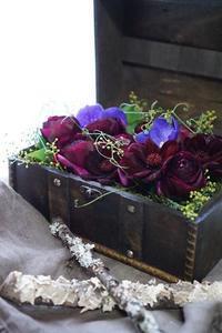 秘密の宝箱 - お花に囲まれて