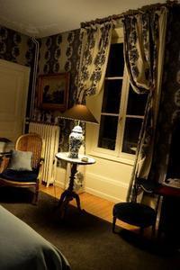 ロンシャン礼拝堂(ノートルダム・デュ・オー礼拝堂)の旅②切ない月と霞む景色 - アルルの図書館* 旅する古道具屋