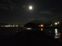 満月の夜、関門海峡。 - ロンの釣り、時々日常。