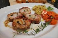 豚バラ肉のハーブ巻きロースト、ミニ「ポルケッタ」 - キムチ屋修行の道