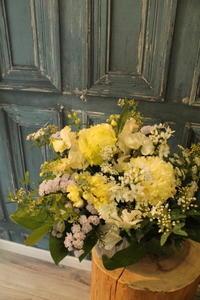 お悔みの花 2.3 - 北赤羽花屋ソレイユの日々の花