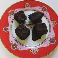 Guimauve au chocolat ギモーヴショコラ Marshmallows coated with Raw chocolate - latina diary blog