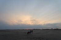 今日の夕方は - 東に向かえば海がある