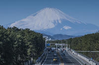 冬の一中通り歩道橋からの富士山 - エーデルワイスPhoto