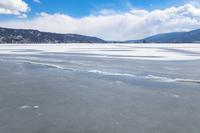 諏訪湖御神渡り - オーナーズブログ・八ケ岳南麓は晴れています!