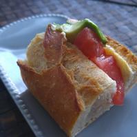 バケットサンドの朝ごパン - 料理研究家ブログ行長万里  日本全国 美味しい話