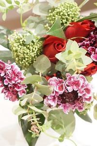 お花は何にも言わないけれど… - お花に囲まれて