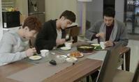 ジュウンがヨンホのためにつくった朝食 - everyday korean flavored zucchinis