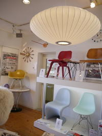 安曇野にご新居を建築中のH様ご依頼GEORGE NELSONの名作...Bubble LampSaucerMEDIUM到着しました! - GLASS ONION'S BLOG