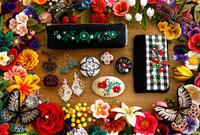 『結う人 編む人 縫う人』展のDM(ポストカード)印刷中♪ - 『 紙とえんぴつ。』 kamacosan. 糸とビーズのアクセサリー