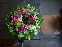 伯母様の誕生日に。リース型のアレンジメント。石川県輪島市に発送。2018/02/11着。 - 札幌 花屋 meLL flowers