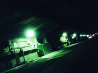 夜の倉庫 - 行く当てのない言葉