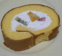 おやつに成城石井のフルーツロールケーキ~☆ - Entrepreneurshipを探る旅