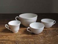 白いカップ色々 - Glicinia 古道具店
