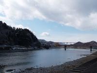 『雪の残る長良川と釣人風景~』 - 自然風の自然風だより