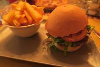 ハンバーガー フライド・ポテトがほしい晩 - イタリア写真草子 Fotoblog da Perugia