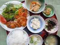 鶏のつくね照り焼き風★(^^♪・・・・・700円ランチ - 日だまりカフェ
