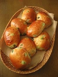 枝豆ロールパンといつものカンパーニュ - slow life,bread life