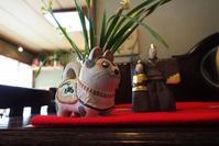 狛犬とお雛様  川俣征 陶ひな展より - TOM'S Photo