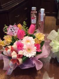 ひな祭り - 花だより 海浜幕張駅 花屋 テーブルコサージュ・ラボ~フラワーショップ~