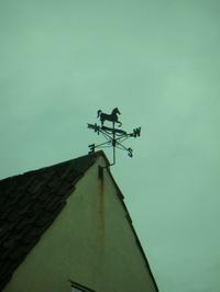 風見鶏 - モデラートカンタービレ 大阪 タロット 裏数秘術 カラールネーション ヒプノセラピー 西洋占星術